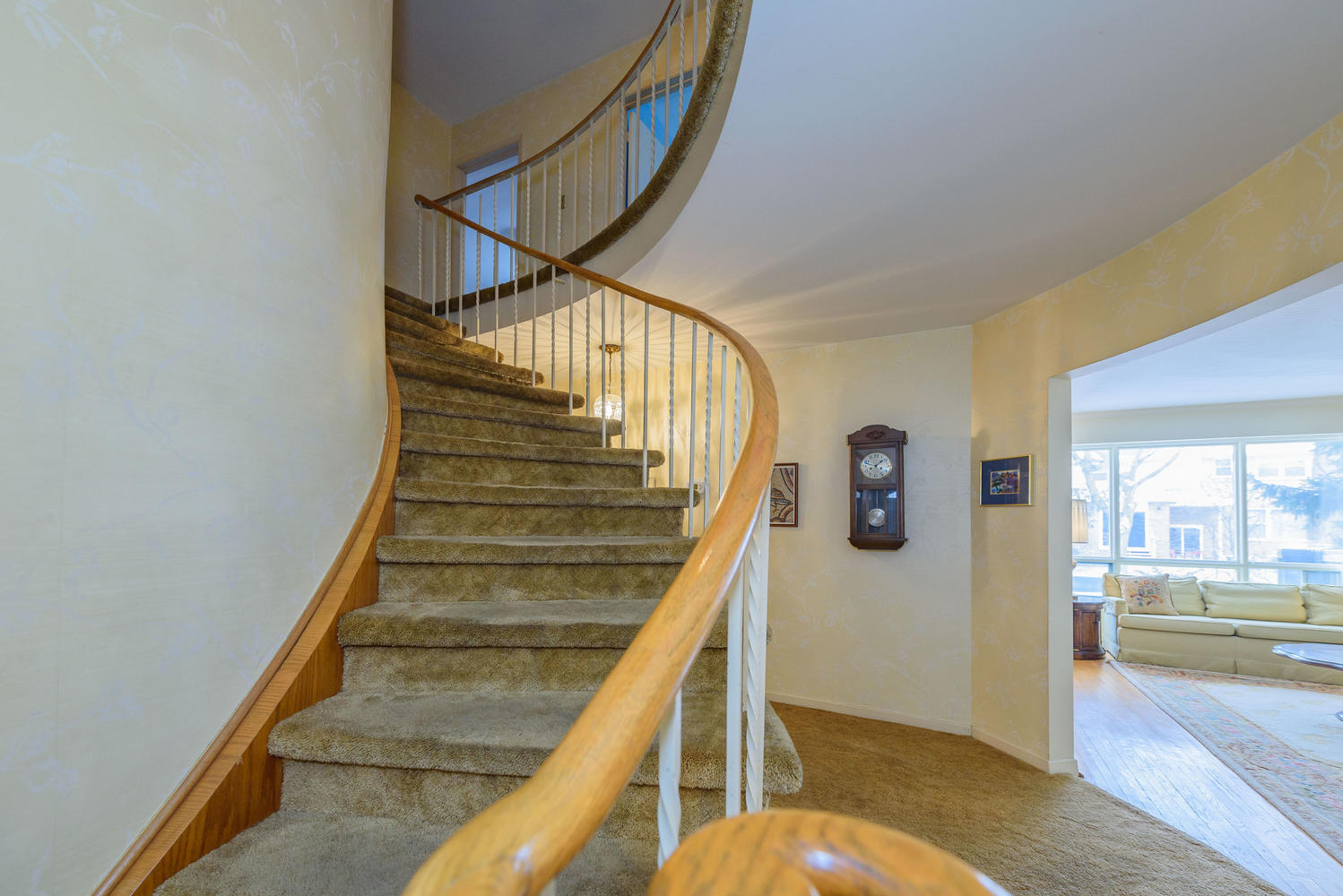950839 42 Foursome Crescent-large-028-33-Staircase Up-1498x1000-72dpi