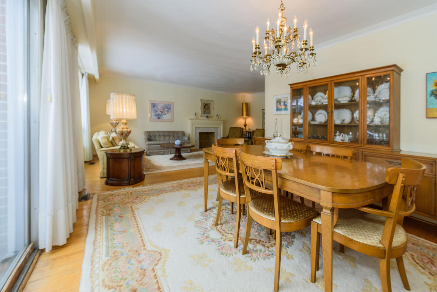 950839 42 Foursome Crescent-large-014-11-Dining Room-1498x1000-72dpi